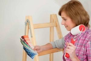 Nota-5820-mujer_pintando_la_casa