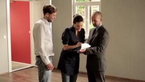 353162358-manojo-de-llaves-entrega-agente-inmobiliario-llave